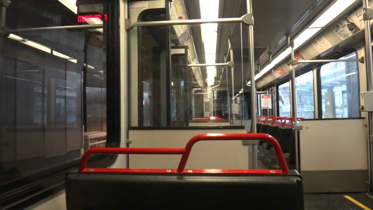 Riding Through Downtown St Louis On The Metrolink Youtube