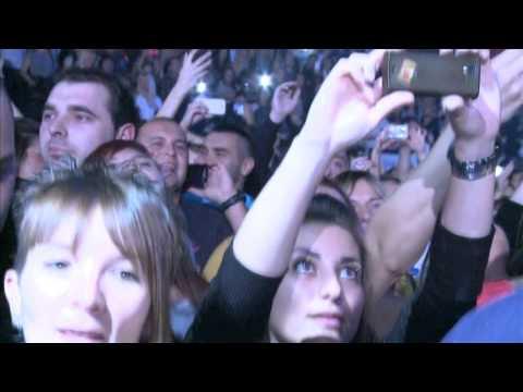 Aco Pejovic - Oko mene - (Live) - (Arena 19.10.2013.)
