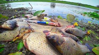 ВСЕХ КАРАСЕЙ СОБРАЛ В ЭТОЙ ЛУЖЕ. СЕКРЕТ ПРОСТОЙ. Рыбалка на крупного карася + сазан. На поплавок.