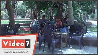 شاهد فرحة المصريين بعيد شم النسيم داخل حديقة الأسماك