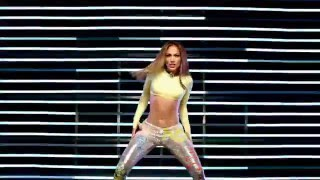Jennifer Lopez shaking her ass and rock hard body