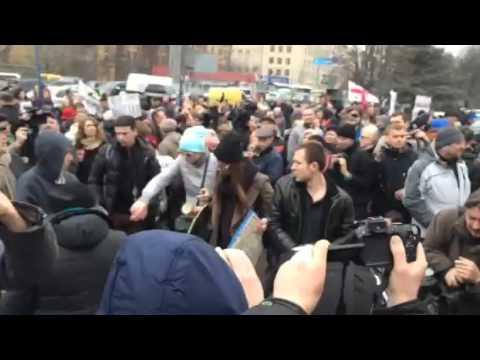 Посольство России забросали яйцами