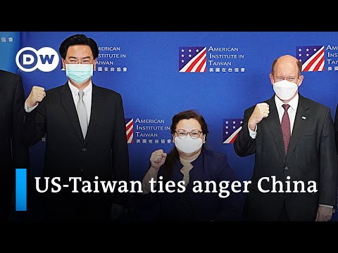 China warns the US of striking official trade deal with Taiwan | DW News