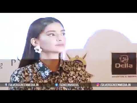 Download Sonam Kapoor's SHOCKING Wardrobe Malfunction OOPS Moment In Public   YouTube 2