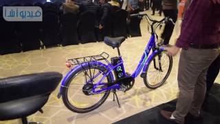 بالفيديو: الدراجة الكهربائية حل لمشكلة التكدس المروري