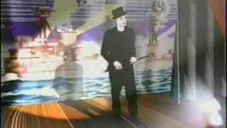 Christopher Walken Verloren Cartoon - Singt & Tanzt
