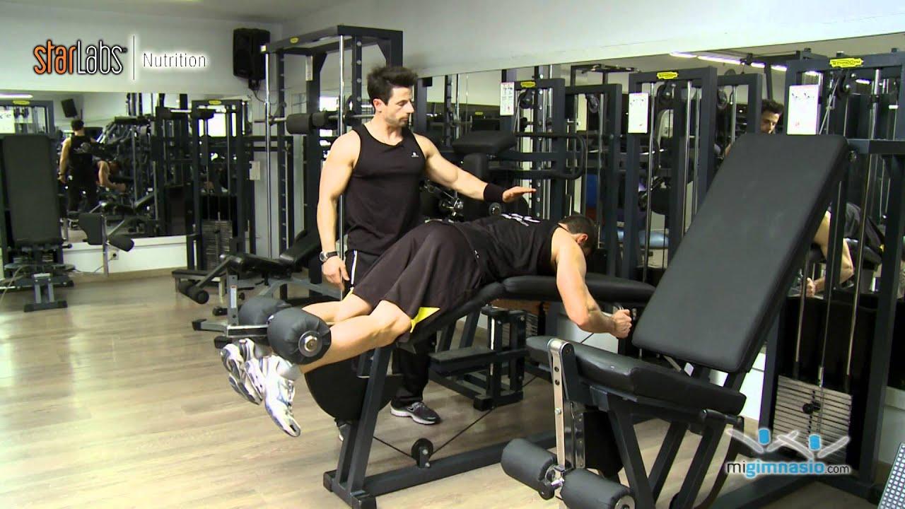 Curl de femoral en maquina ejercicios de pierna youtube for Maquinas de ejercicios