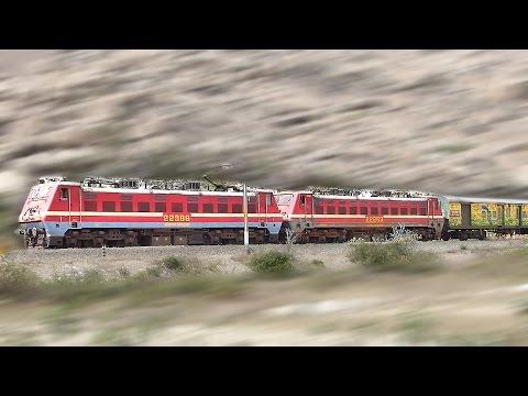 SUPER HIT Duronto Express : Indian Railways ( Howrah - Yesvantpur)