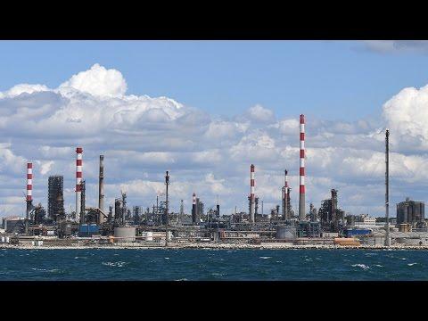 Соглашение ОПЕК+ по сокращению добычи нефти только временно выравнивает рынок, но при всем этом ограничит развитие личных компаний и