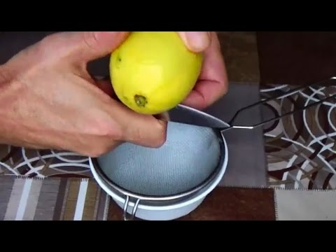 Squeeze lemon juice. The best way to juice a lemon. Lemons. Lemon Juice. Fresh Lemon Juice,
