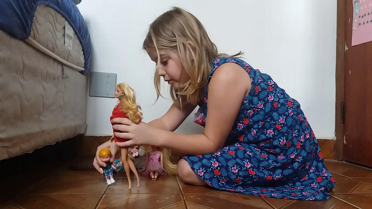 Brincando de bonecas - Meu dia