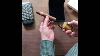 A closer look at the Le Grand S.T. Dupont Lighter.