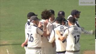 Ryan Sidebottom takes 11 wickets against Warwickshire
