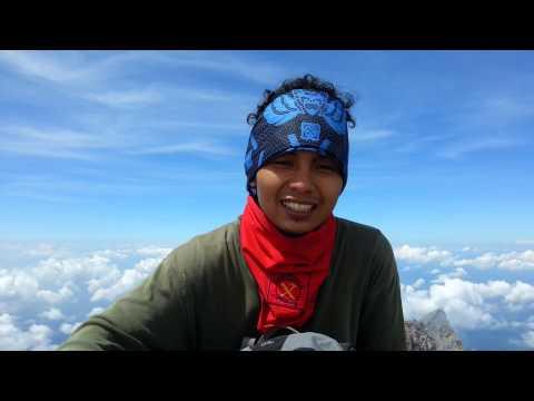 Puncak Garuda Gunung Merapi 2976 Mdpl (Vania)