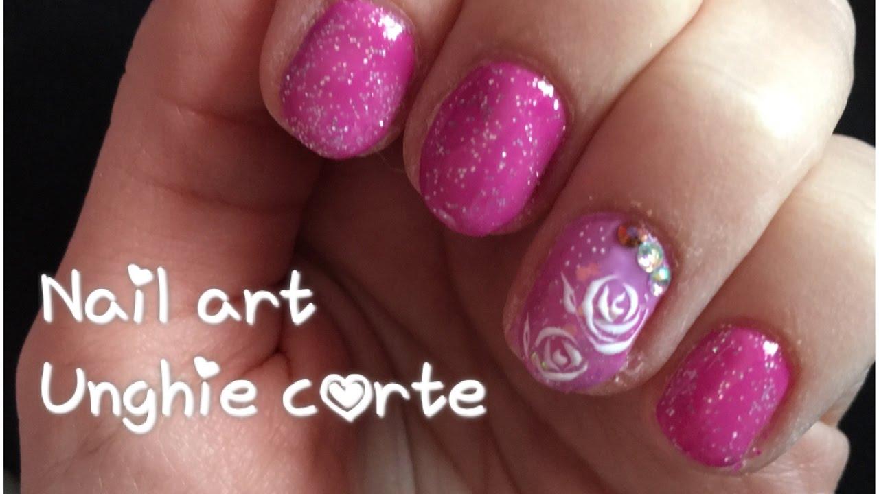 copertura gel unghie corte e nail art rosa con roselline ...