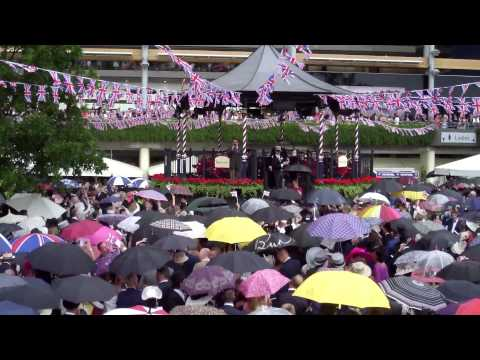 Royal Ascot 2015 Singing Around The Bandstand. Angels.