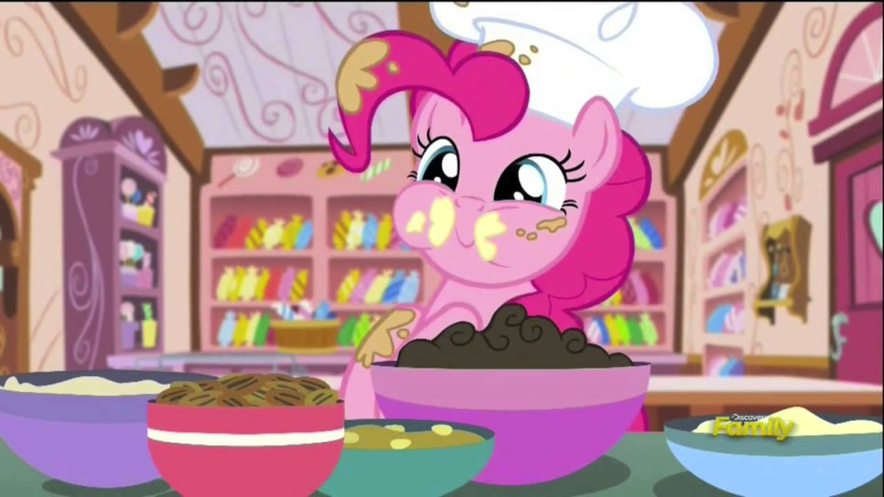 Baking A Cake With Pinkie Pie