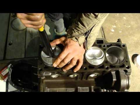 Как установить поршневые кольца ВАЗ 2108-09-15 и поршня в цилиндры. The Installation Of Piston Rings