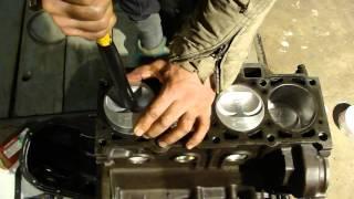 видео Замена поршневых колец