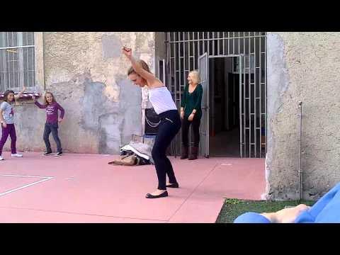 Alice balla super mascherina