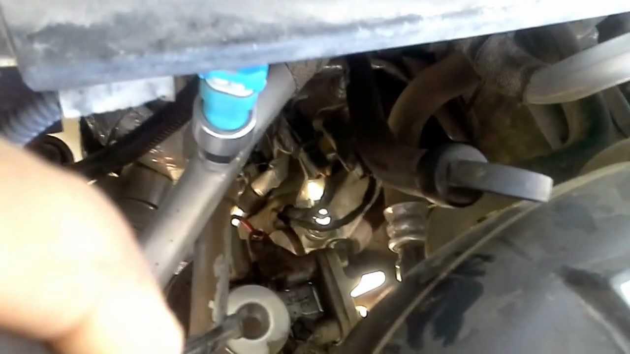 2006 colorado fuel filter location