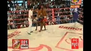 13 July 2014 | BTV Khmer Boxing | Chhou Chek Ang vs Ven Sopheak finished in round 2nd