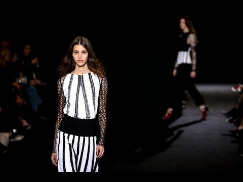 Roland Mouret | Fall Winter 2016/2017 Full Fashion Show | Exclusive