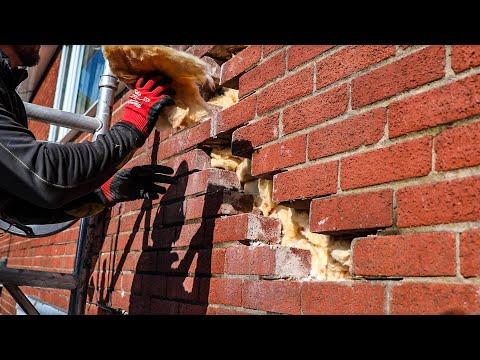 Bricklaying - Repairing a Crack  In a Brick Wall