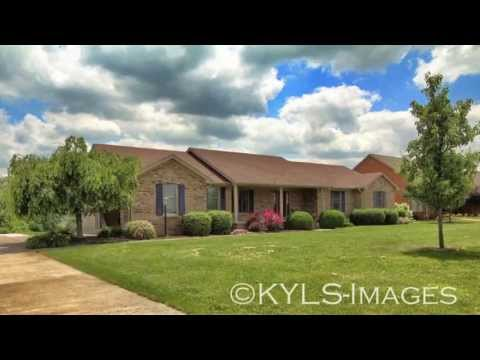 Walk out basement Brick Ranch Homes for sale in Kentucky Historic Harrodsburg KY