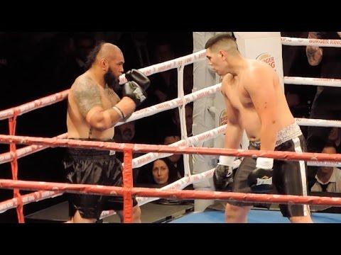 Era una paliza y le recriminó al árbitro por no frenar antes la pelea