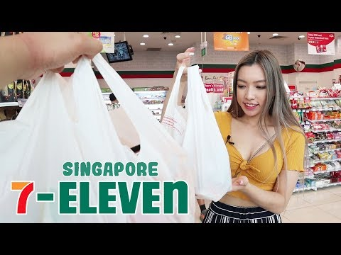 Exploring a Singapore 7-Eleven (food tour)