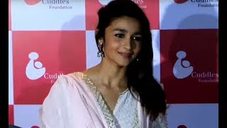 Alia Bhatt's HOT Topless Picture Goes Viral!