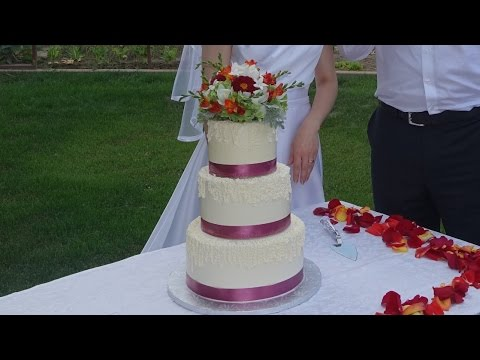 How To Make A Wedding Cake Topper With Fresh Flowers Youtube
