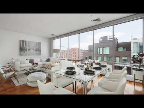 WILLIAMSBURG PENTHOUSE + ROOF CABANA + PARKING SPACE