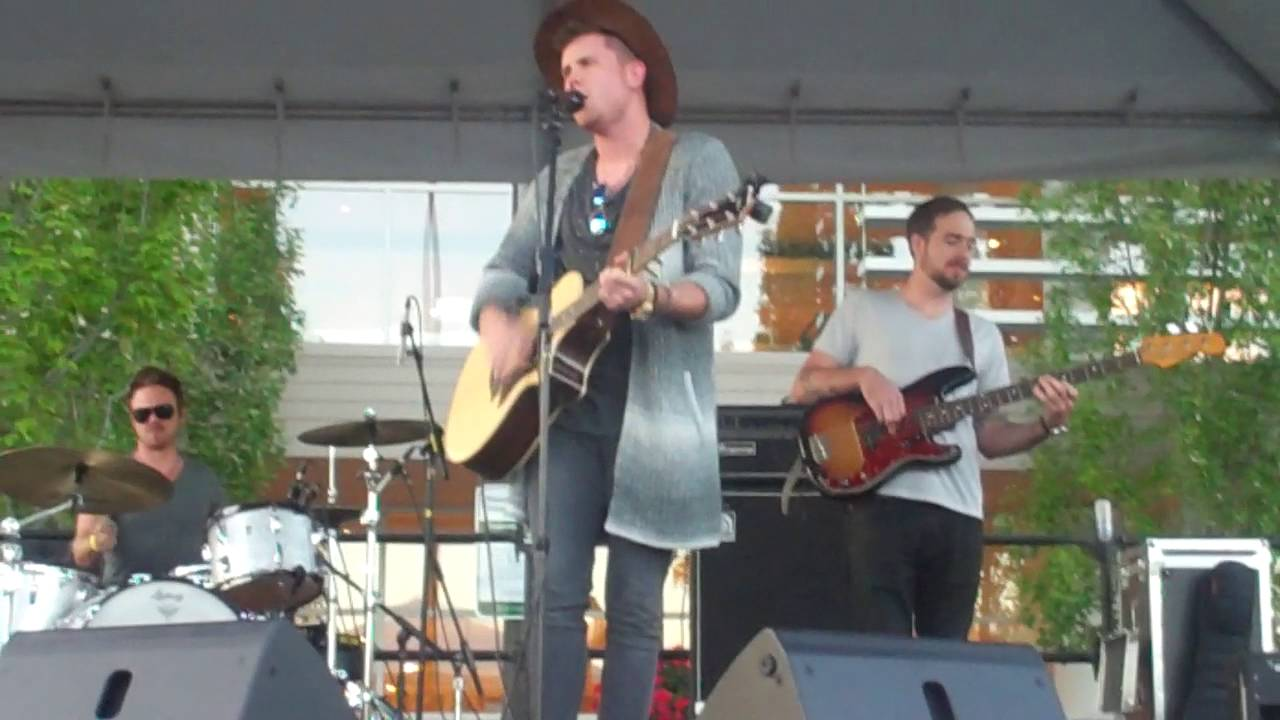 Trent Harmon : Falling , Live in Seattle 7/20/2016 - YouTube