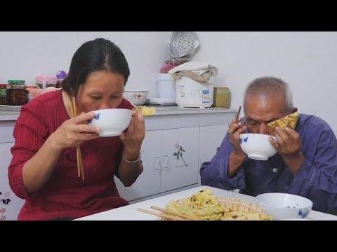 红薯别再煮了,农村妈妈教你一个红薯新吃法,老人孩子抢着吃