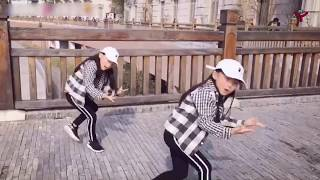 Twin Sister Dance Choreography | Amazing Street Performing
