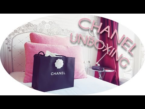 📦 Chanel Limited Edition 'WOC' Unboxing & Paris Vlog