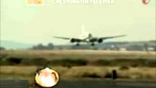 UFO ?? The Arrival Of the Pope In Mexico - 2012 !!