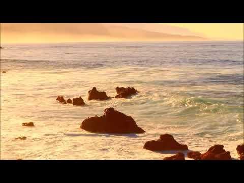 Закат окончил летний теплый вечер. Волшебный закат на море. Эстетика природы