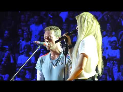 Coldplay feat. Shakira - Yellow Live in Hamburg 06.07.2017 Global Citizen