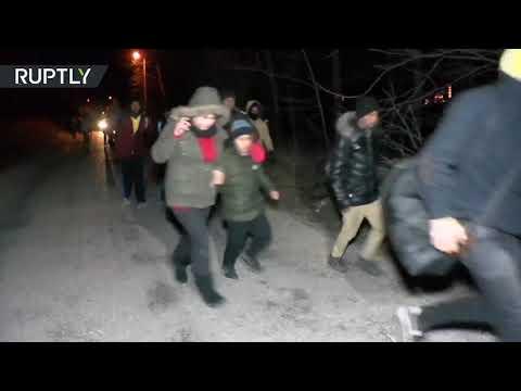 Syrian refugees run towards European border as Turkey will no longer stop them