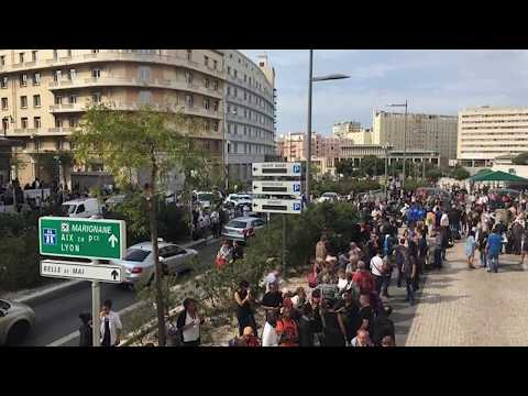 Мужчина с ножом убил двоих человек в Марселе