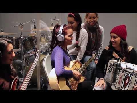 """""""Amarga Navidad"""" - Las Fenix"""