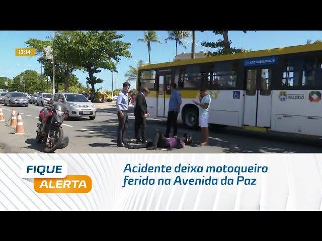 Acidente deixa motoqueiro ferido na Avenida da Paz, em Jaraguá