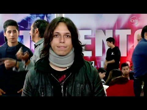 Joyan sacó carcajadas del jurado con su irreverente humor  - Talento Chileno 2015