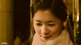 &nd you don't know why but you're dying to try..you wanna kiss the girl. [playful kiss]