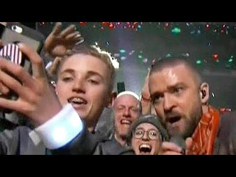 'Selfie Kid' STEALS Justin Timberlake's Spotlight During Super Bowl Halftime Show Performance