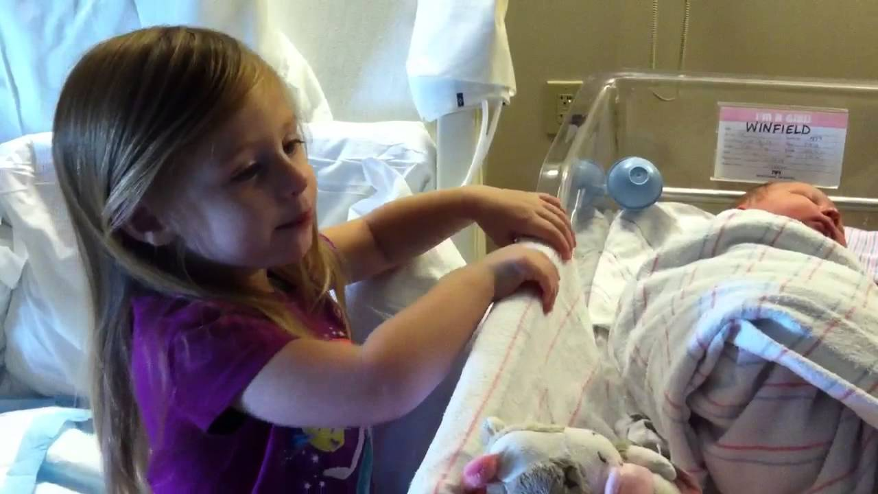 aubrey sings happy birthday to her baby sister ansley