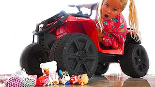 Emily made an Experiment with toys | Emily Pretend Play
